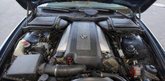 BMW silnik V8