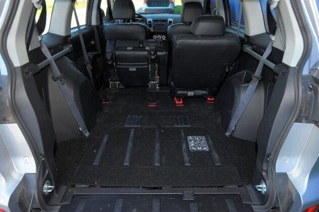 Citroen C-Crosser Peugeot 4007