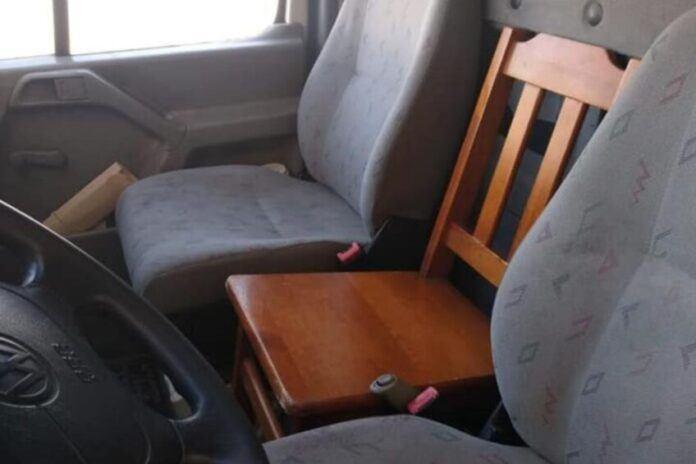 Drewniane-krzesło VW-LT