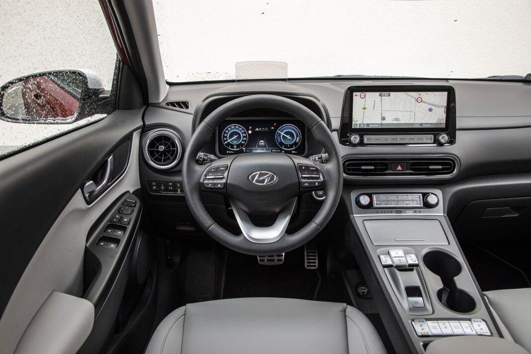 Hyundai Kona Electric - test (2021) - kokpit