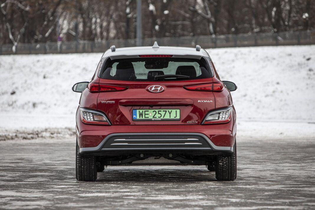 Hyundai Kona Electric - test (2021) - tył 01