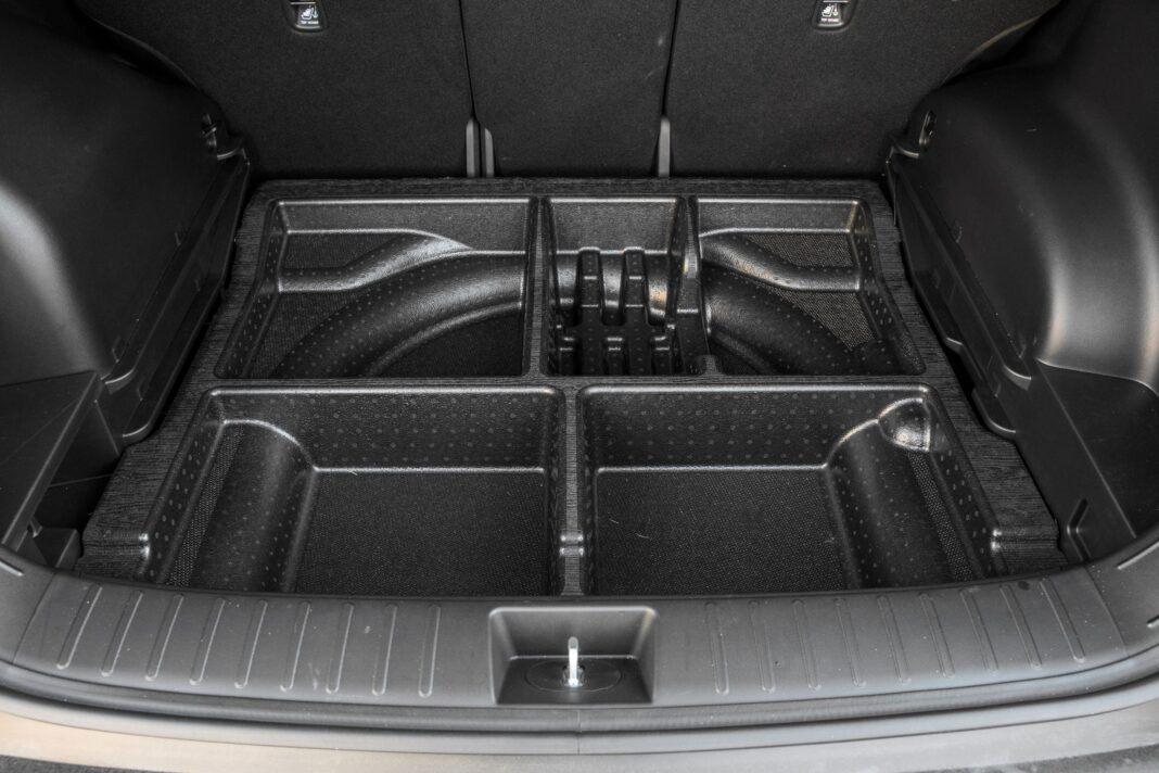 Hyundai Tucson 1.6 T-GDI HEV - schowek pod bagażnikiem