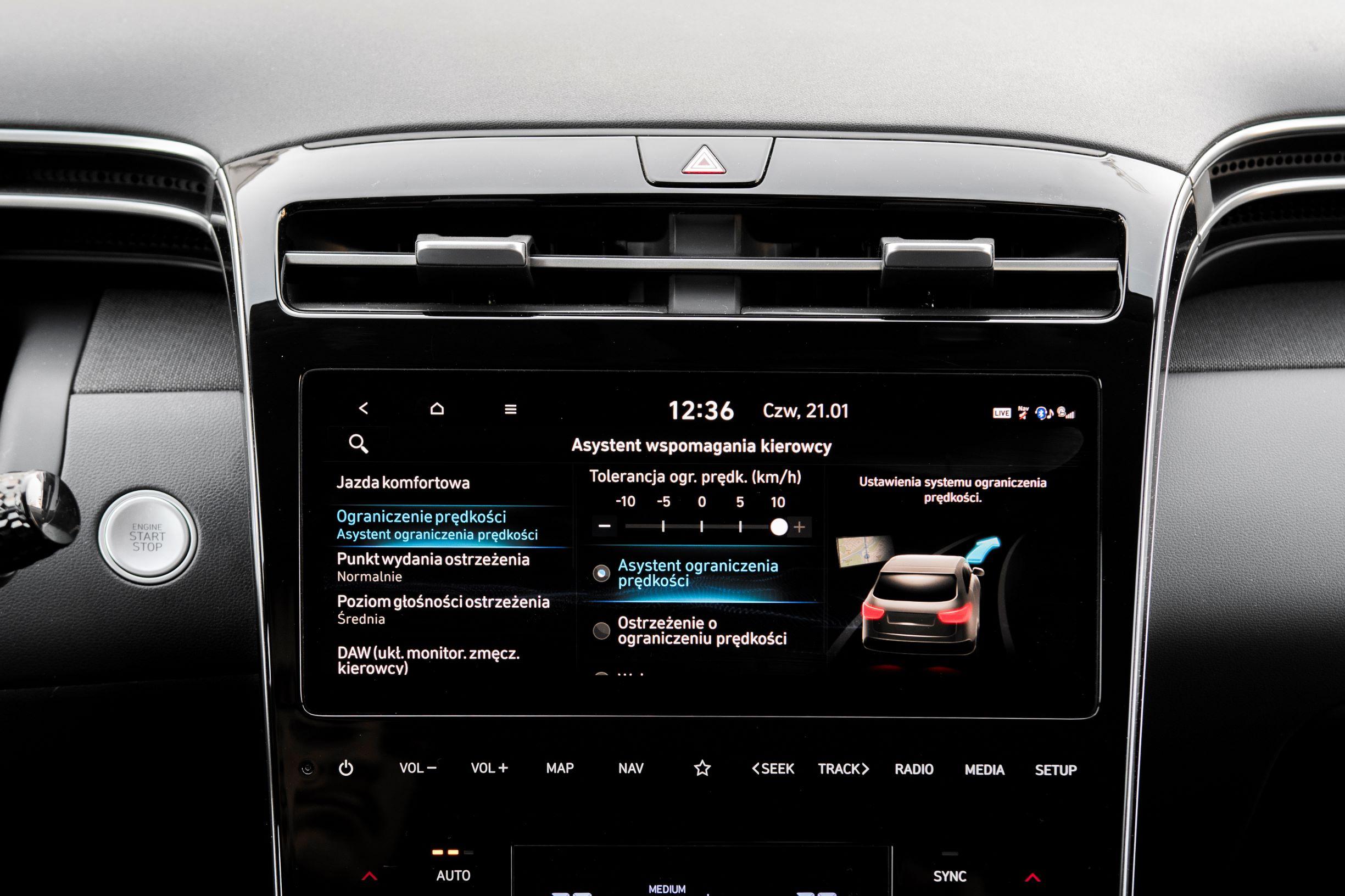 Hyundai Tucson 1.6 T-GDI HEV - ekran