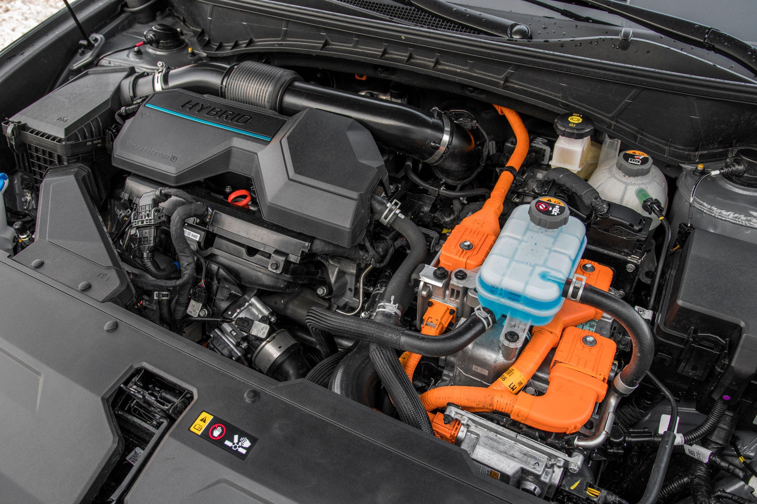 Hyundai Tucson 1.6 T-GDI HEV - silnik