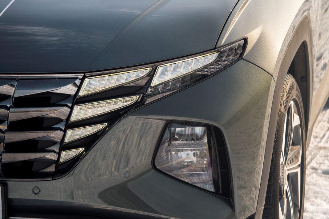 Hyundai Tucson 1.6 T-GDI HEV - światła