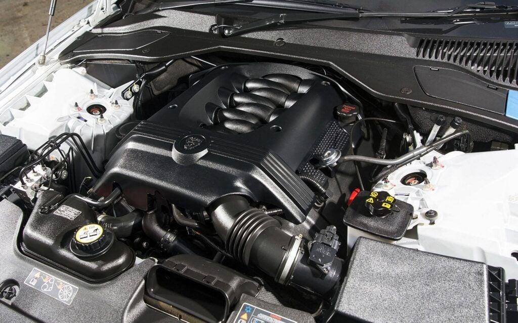 Jaguar XJ (X350) 01