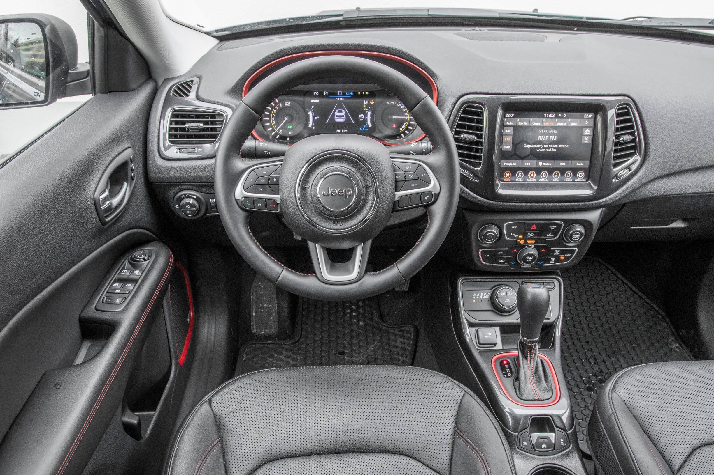 Jeep Compass - kokpit