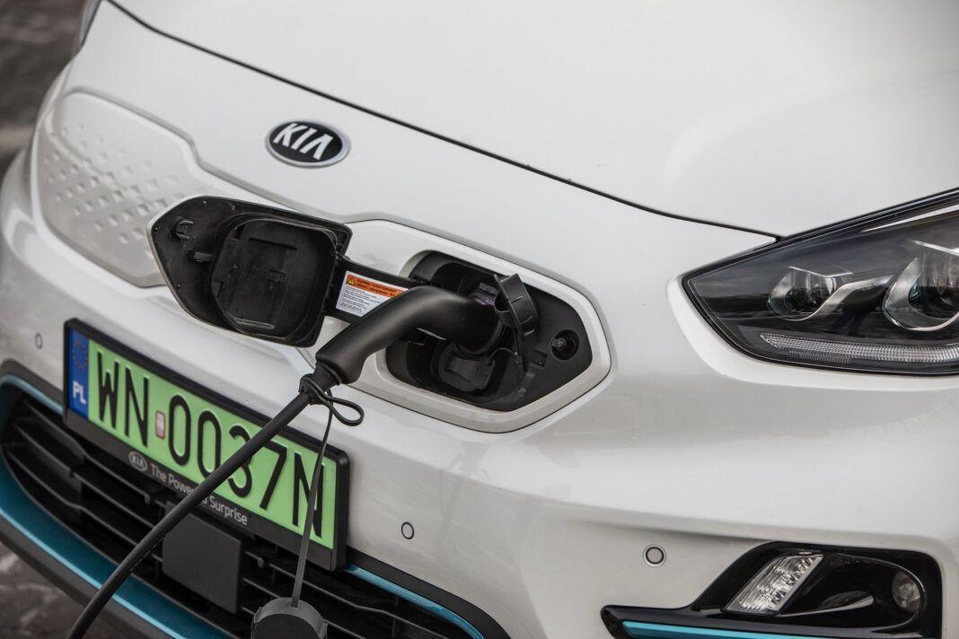 Kia e-Niro 64 kWh - test (2021) - gniazdo ładowania