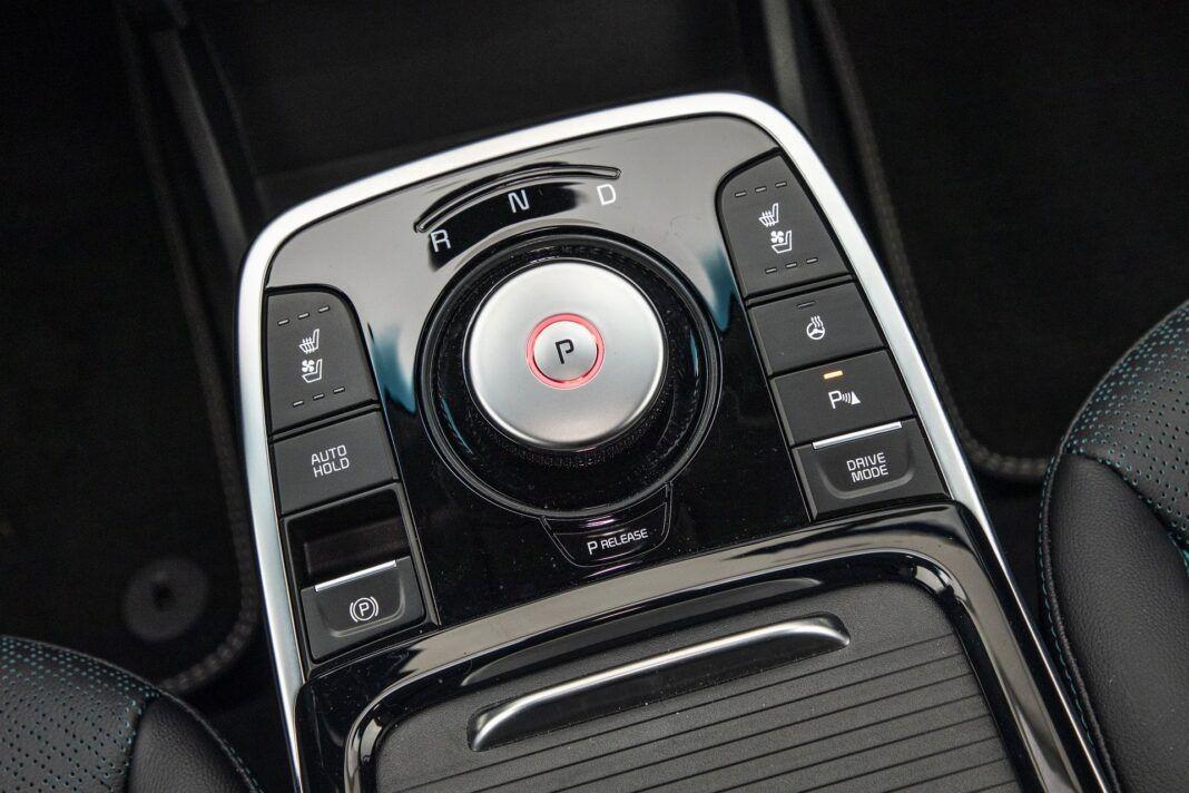 Kia e-niro 64 kWh - test (2021) - panel obsługi