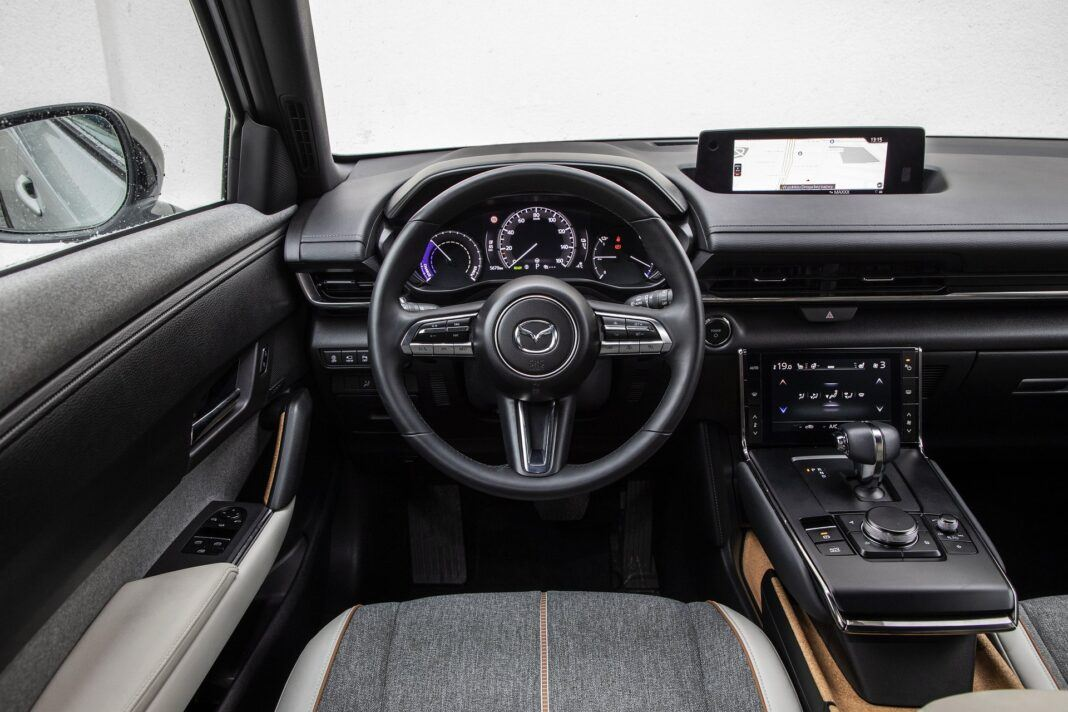 Mazda MX-30 - test (2021) - kokpit