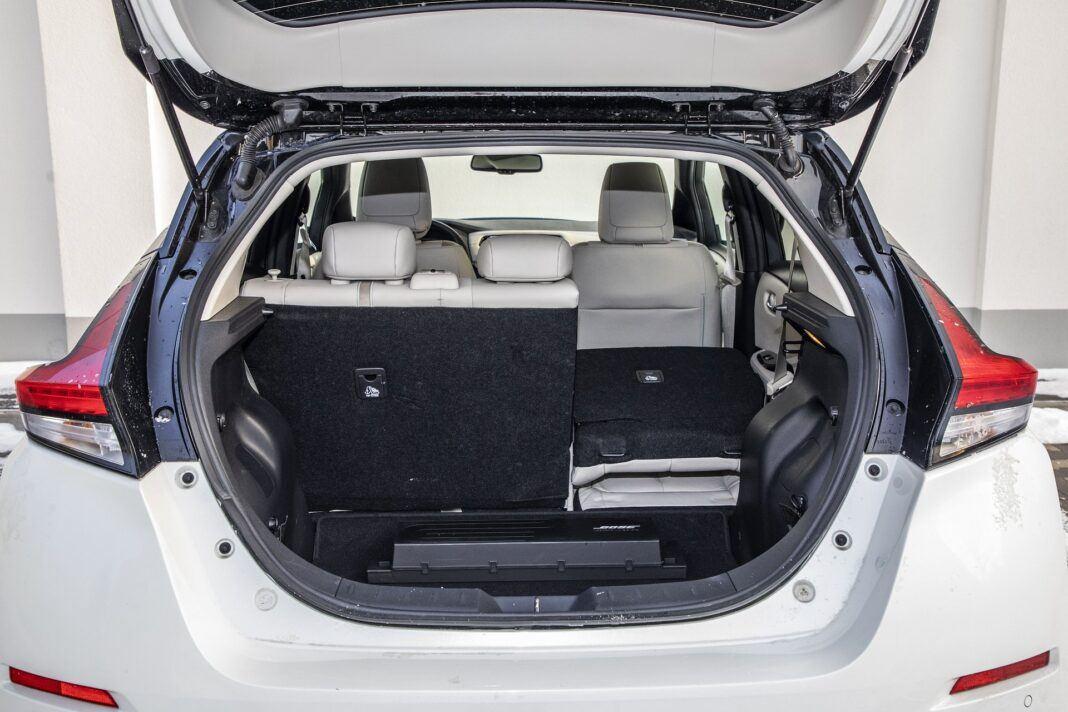 Nissan Leaf 62 kWh - test (2021) - bagażnik