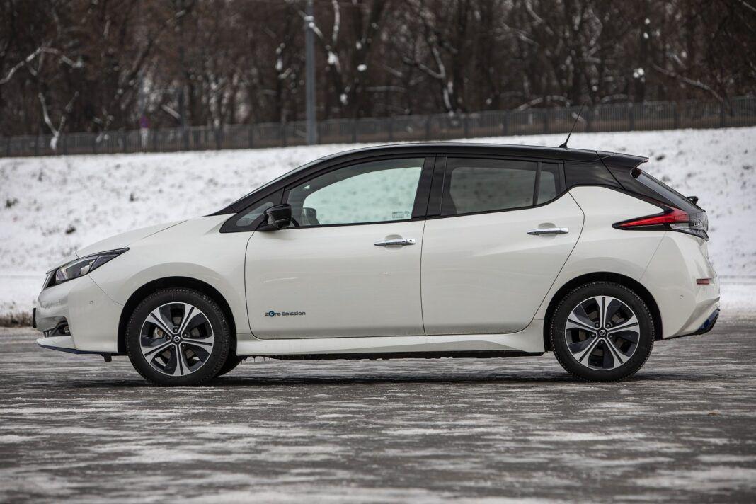 Nissan Leaf 62 kWh - test (2021) - bok