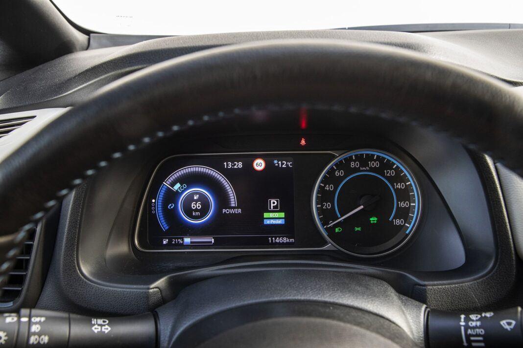 Nissan Leaf 62 kWh - test (2021) - zegary
