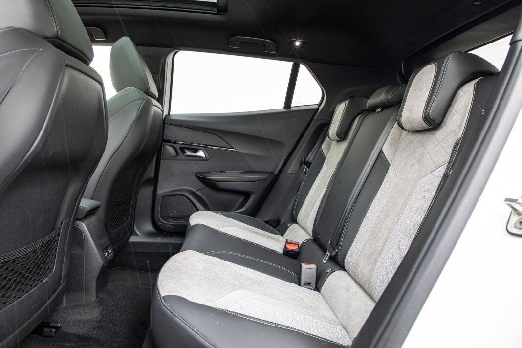 Peugeot e-2008 - test (2021) - kanapa