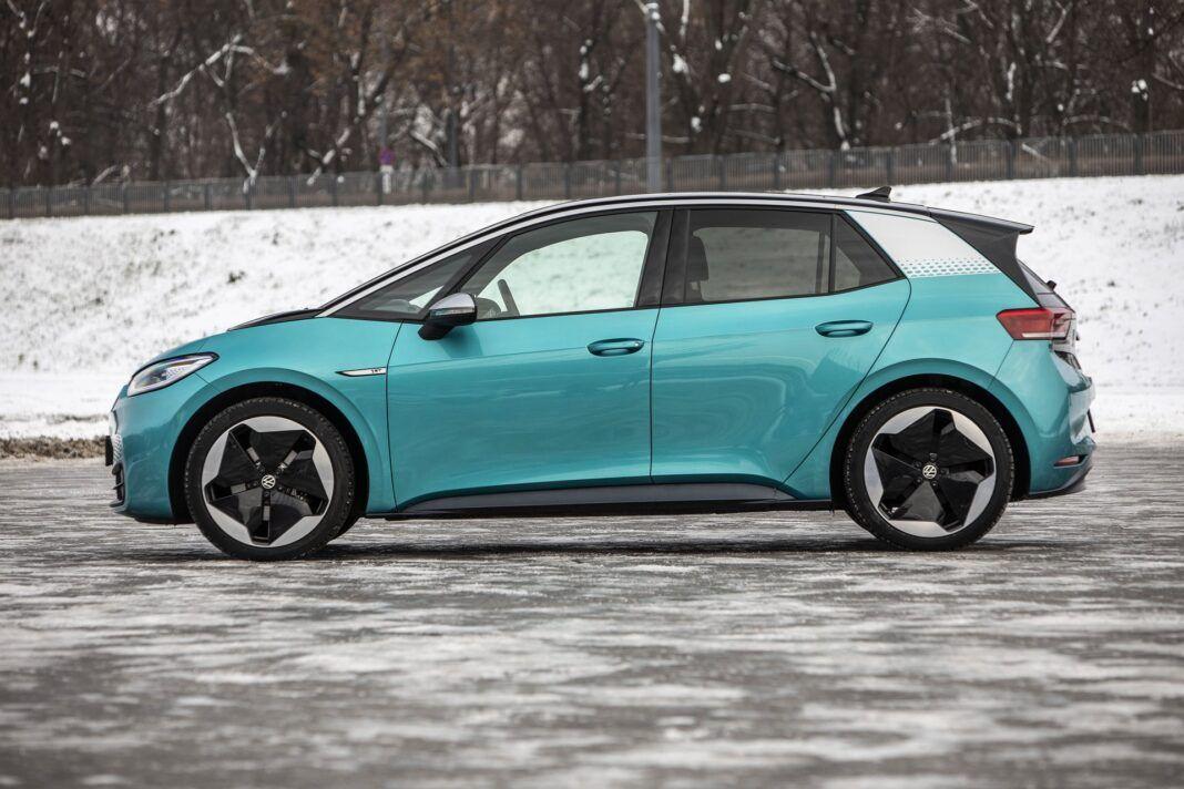 Volkswagen ID.3 Pro Performance - test (2021) - bok