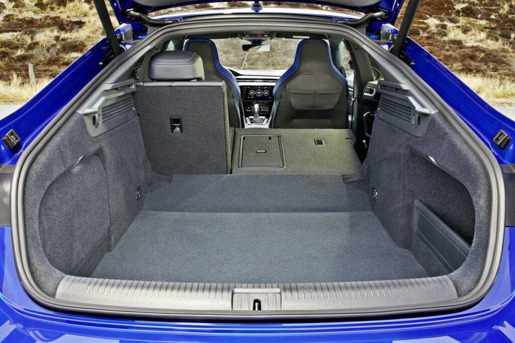 VW Arteon R - bagażnik