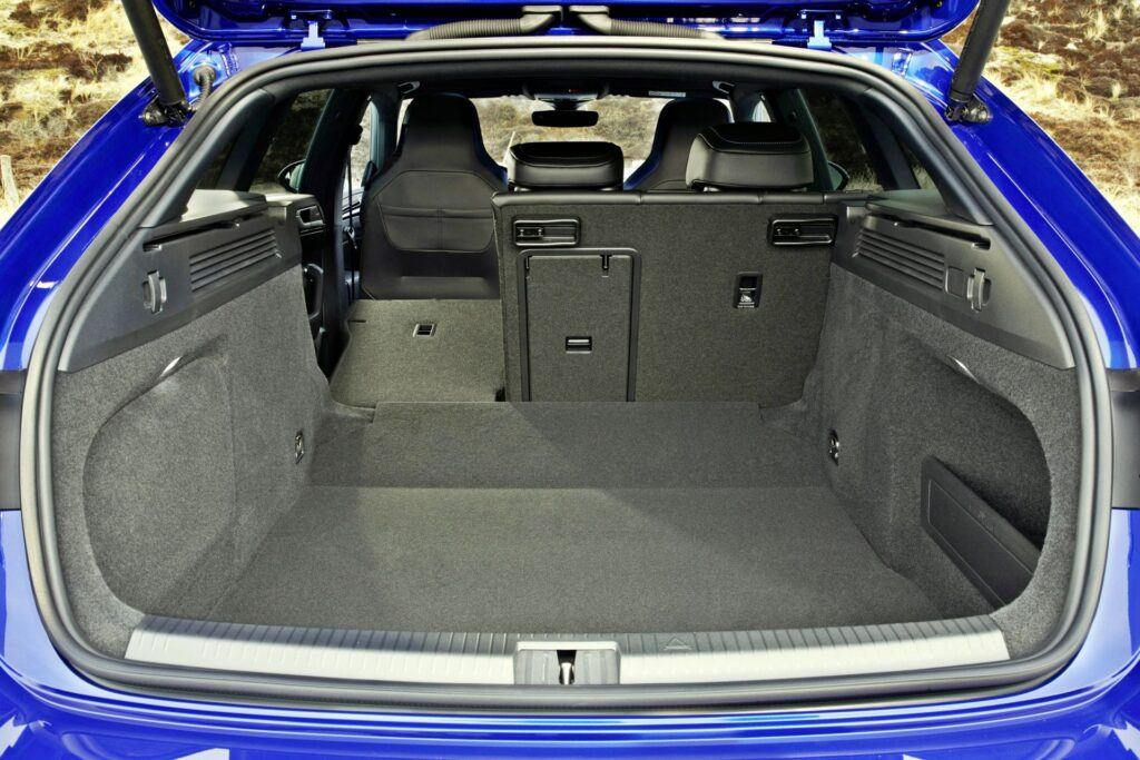 VW Arteon R Shooting Brake - bagażnik