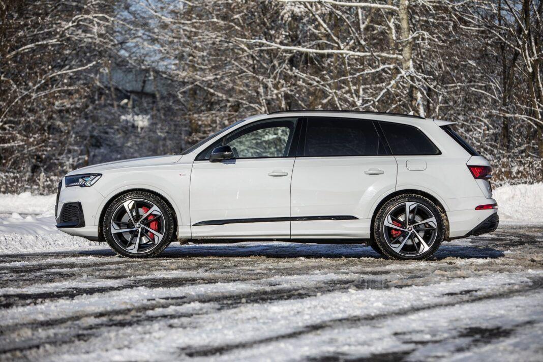 Audi Q7 60 TFSI e quattro (2021) - test - bok