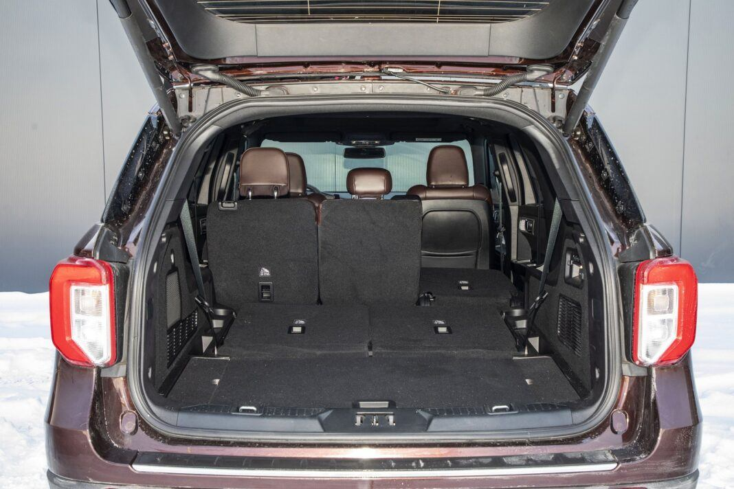 Ford Explorer Plug-In Hybrid (2021) - test - bagażnik