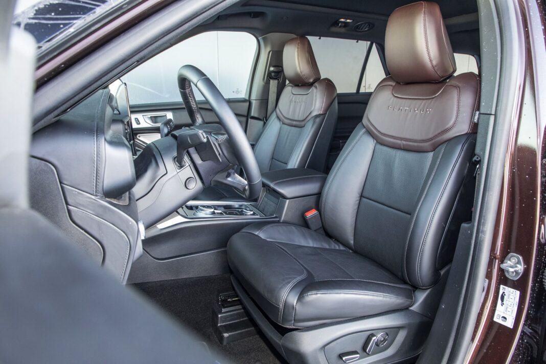 Ford Explorer Plug-In Hybrid (2021) - test - przednie fotele