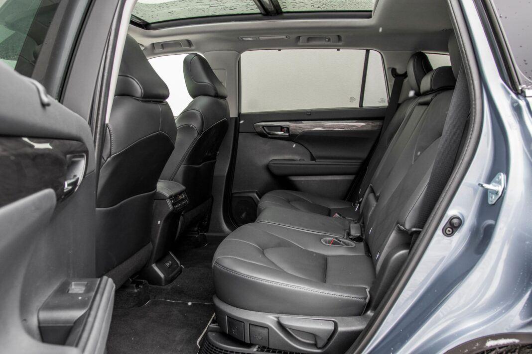 Toyota Highlander 2.5 Hybrid - kanapa