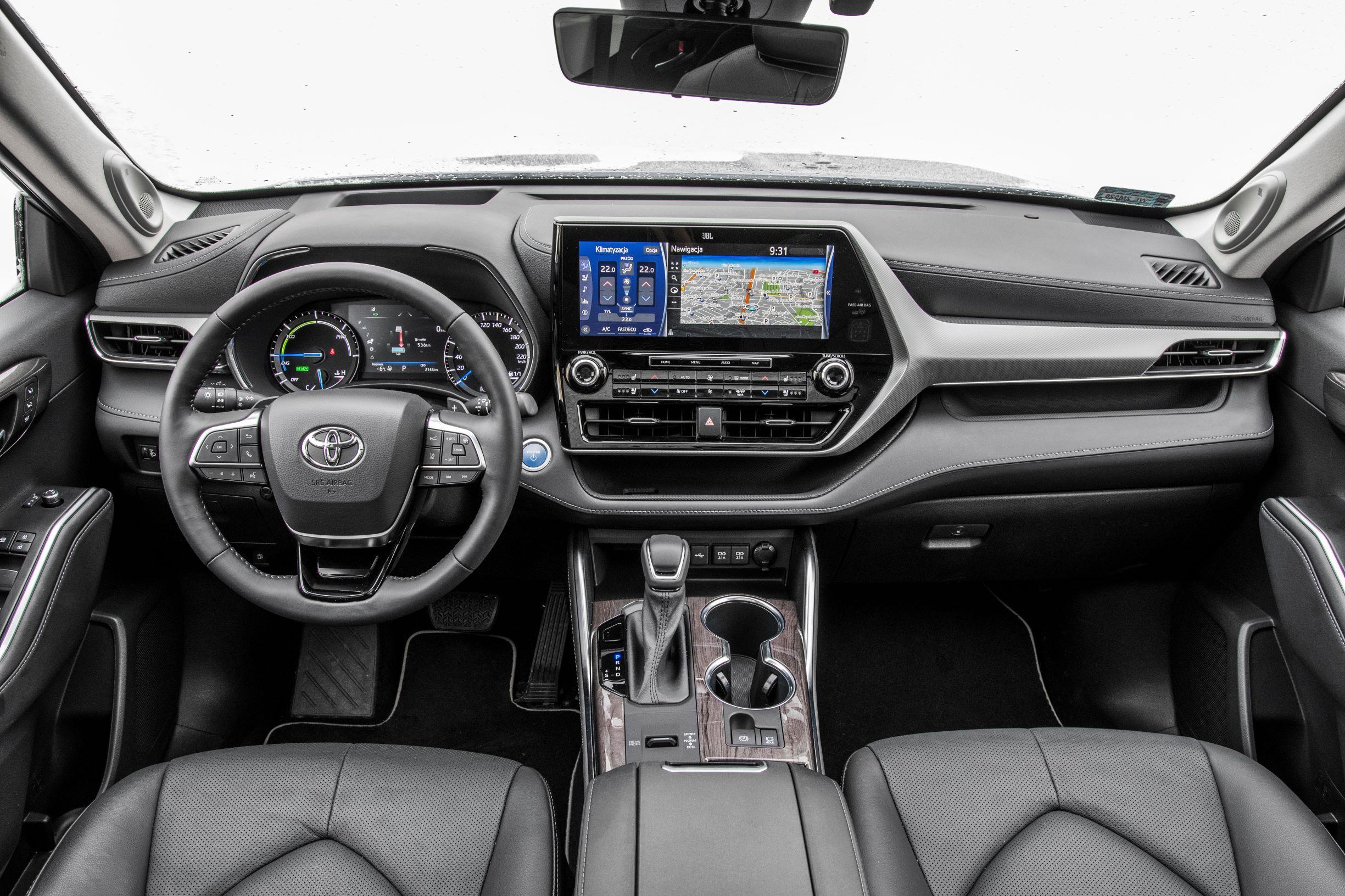 Toyota Highlander 2.5 Hybrid - kokpit