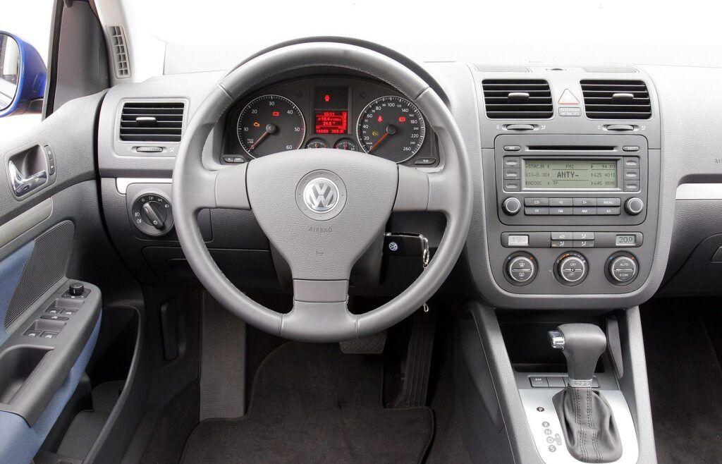 Volkswagen Golf (2)