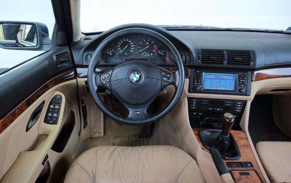 BMW serii 5 E39 deska rozdzielcza