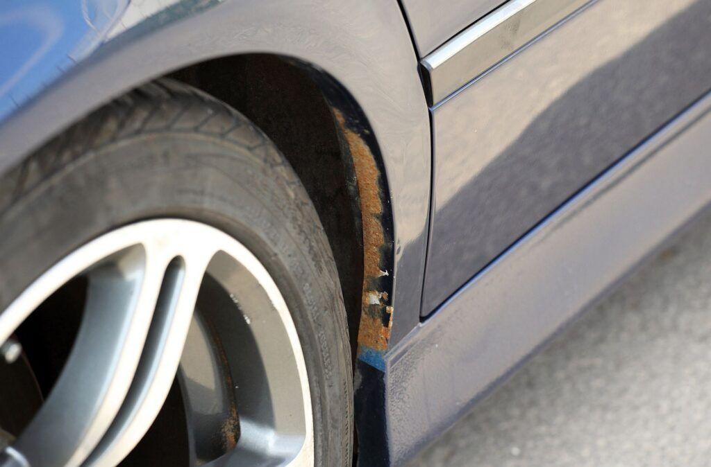 BMW serii 5 E39 korozja