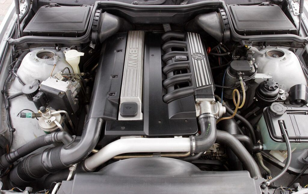 BMW serii 5 E39 silnik