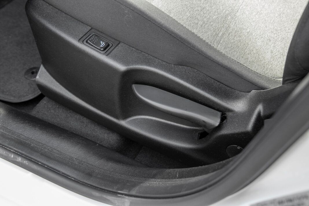 Fiat Tipo Cross - regulacja fotela