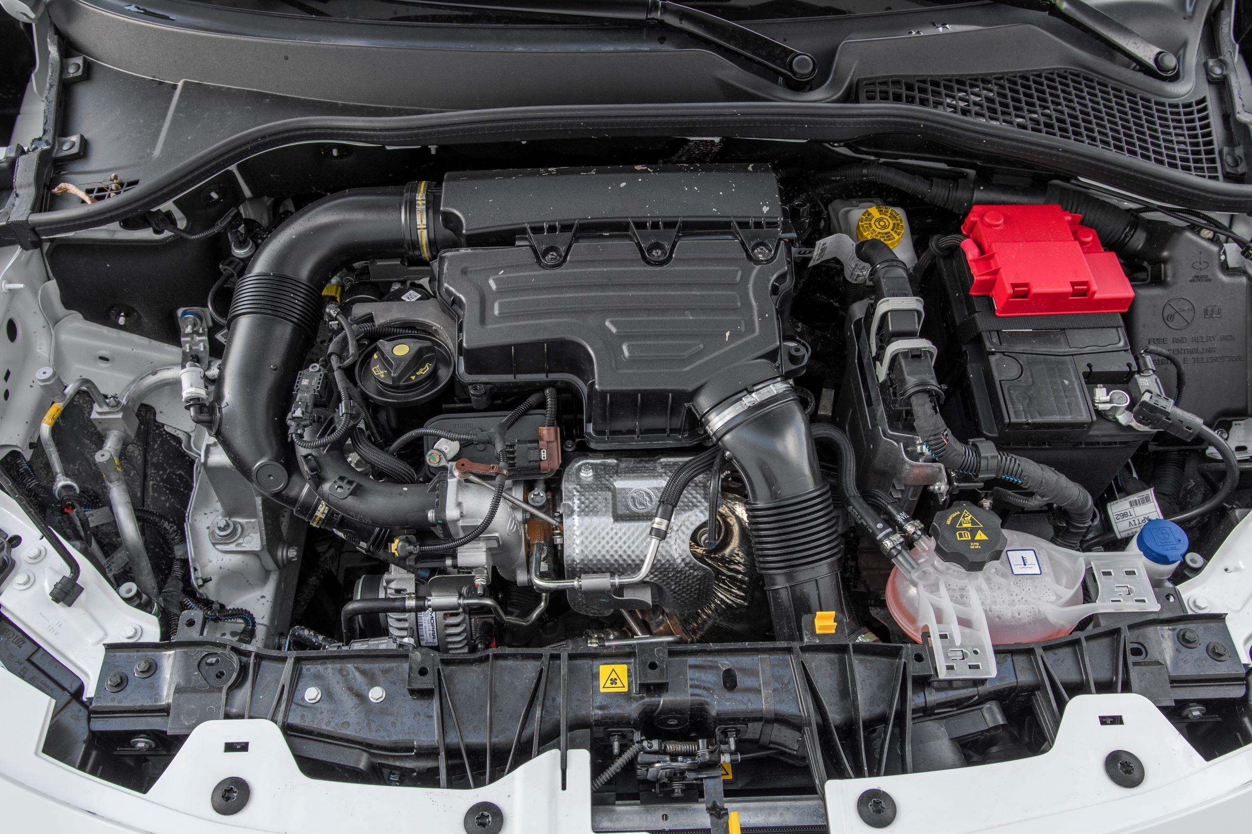 Fiat Tipo Cross - silnik 1.0 T3 Turbo o mocy 100 KM