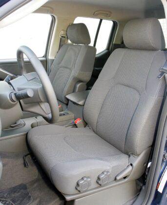Nissan Navara III