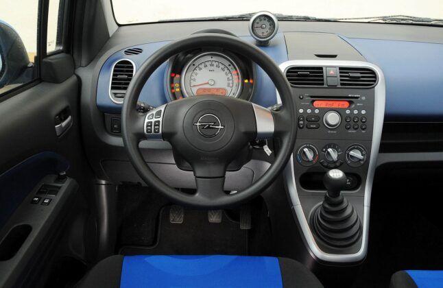 Opel Agila B deska rozdzielcza
