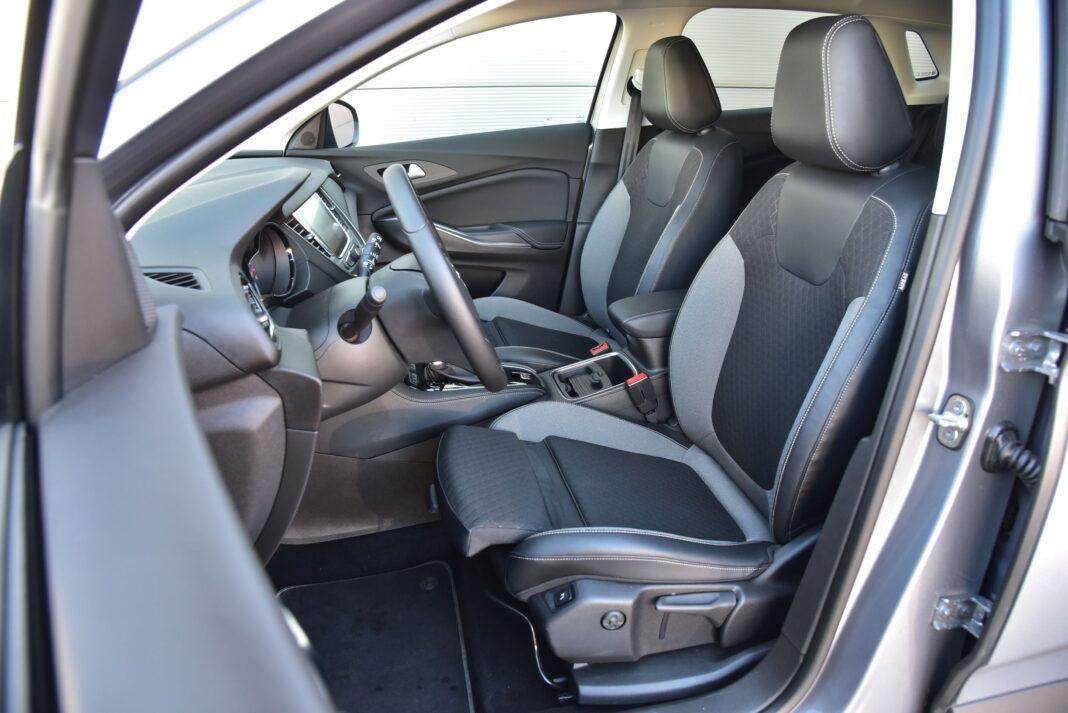 Opel Grandland X - fotele