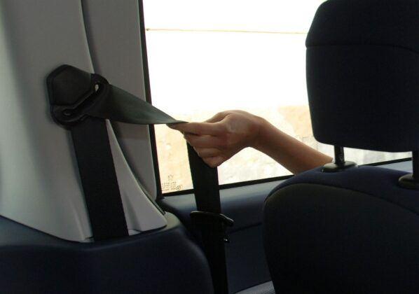 Peugeot 1007 pasy bezpieczeństwa
