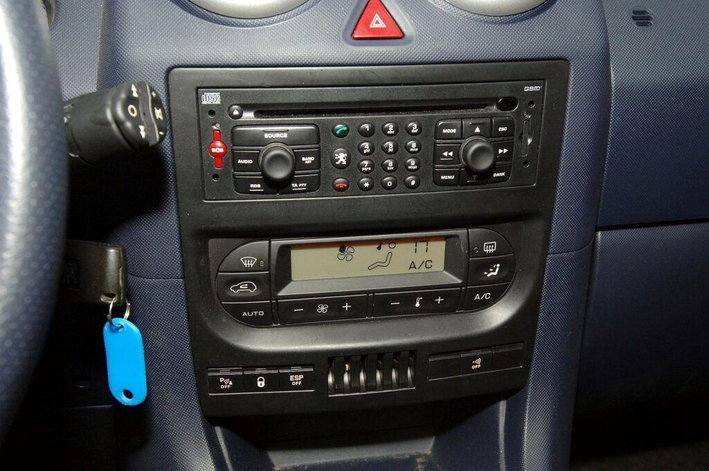 Peugeot 1007 radio