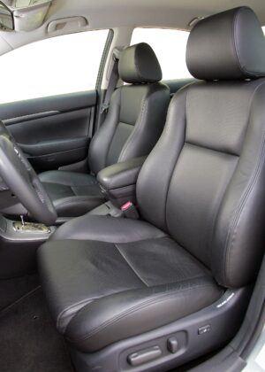 Toyota Avensis II fotel kierowcy