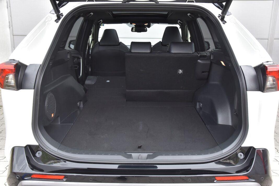 Toyota RAV4 - bagaznik