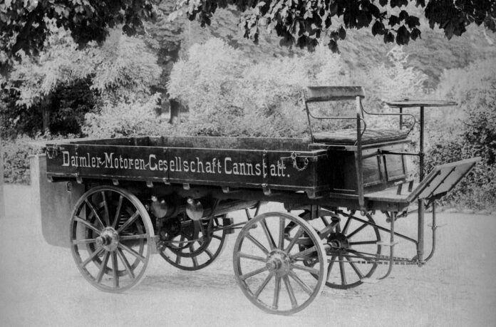 W-roku-1896-Gottlieb-Daimler-zbudowal-pierwsza-ciezarowke-na-swieci