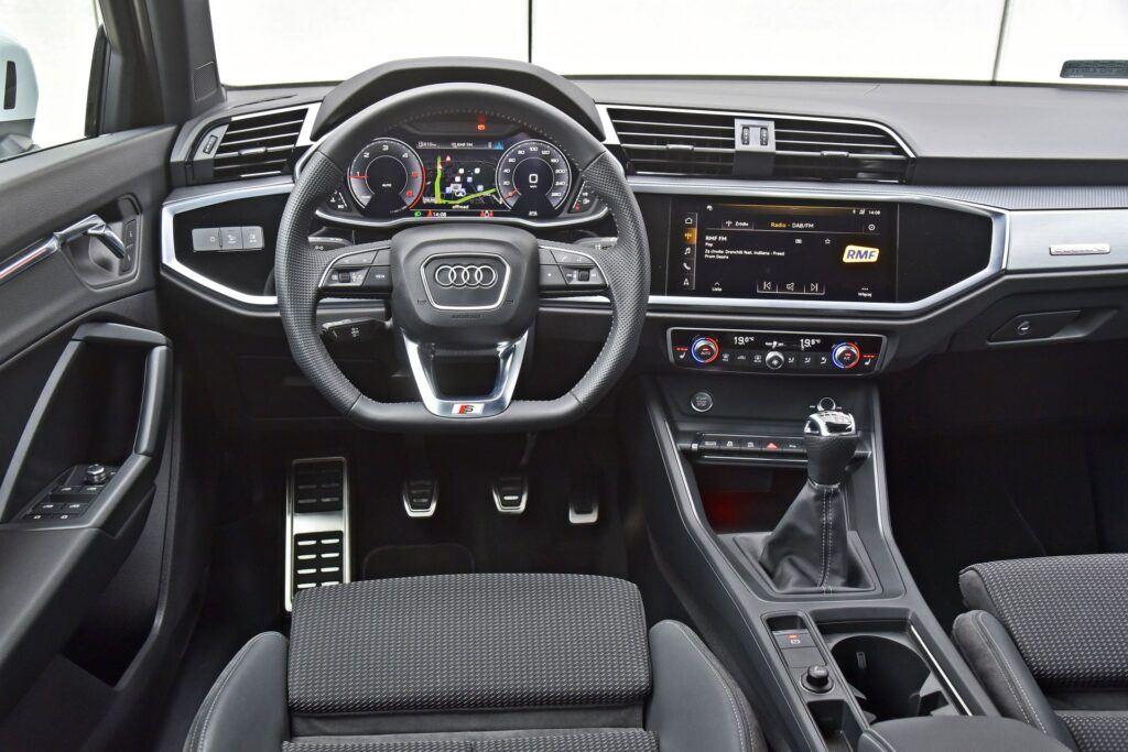 Audi Q3 - deska rozdzielcza
