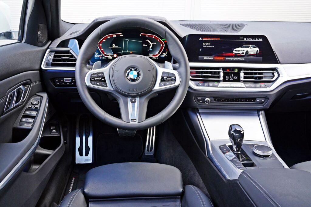 BMW serii 3 Limuzyna - deska rozdzielcza