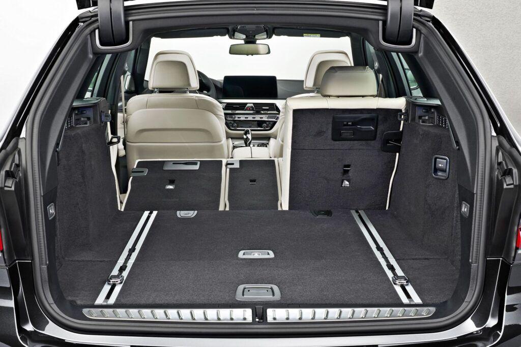BMW serii 5 Touring - bagażnik