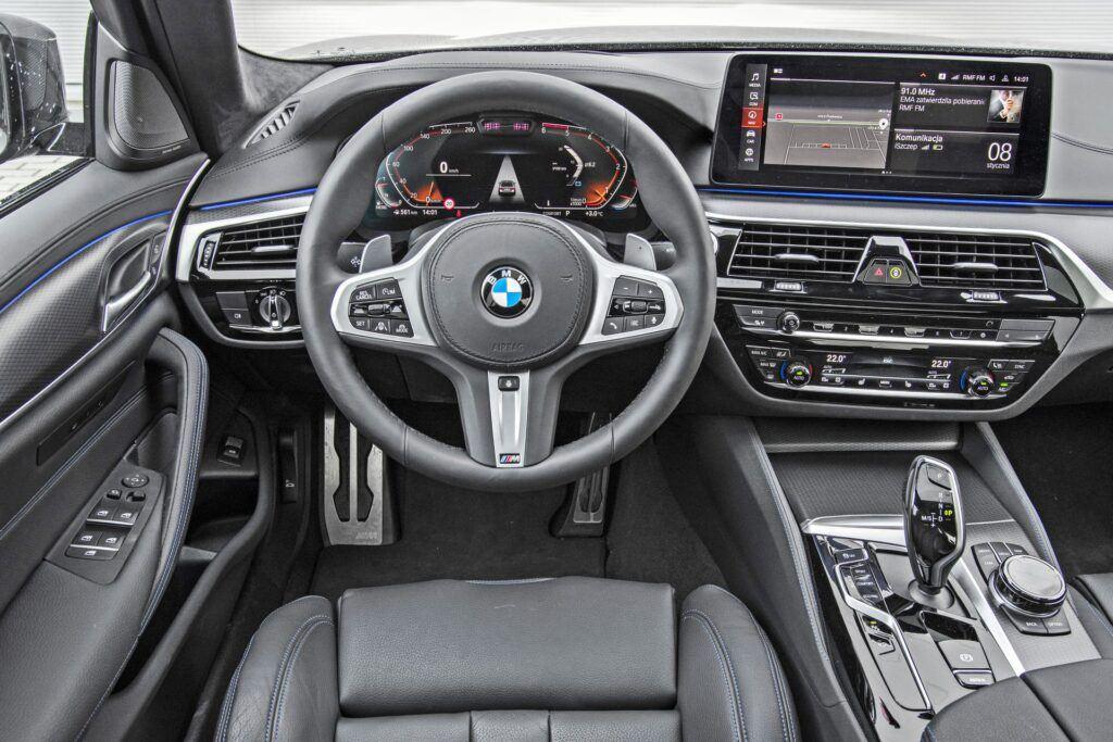 BMW serii 5 Limuzyna - deska rozdzielcza
