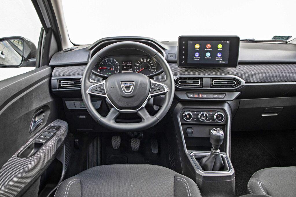 Dacia Logan - deska rozdzielcza