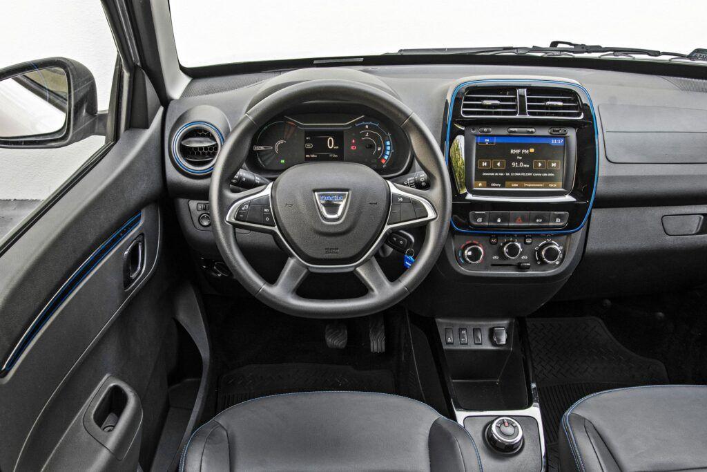 Dacia Spring - deska rozdzielcza