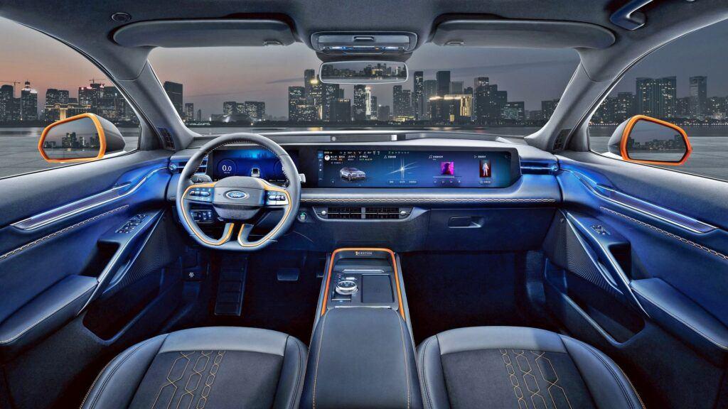 Ford Evos - wnętrze