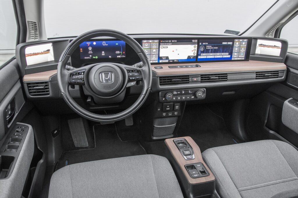 Honda e deska rozdzielcza