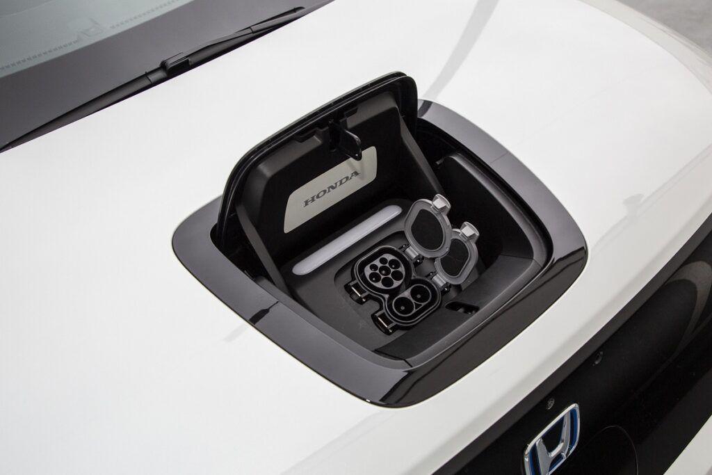 Honda e - klapka ładowania