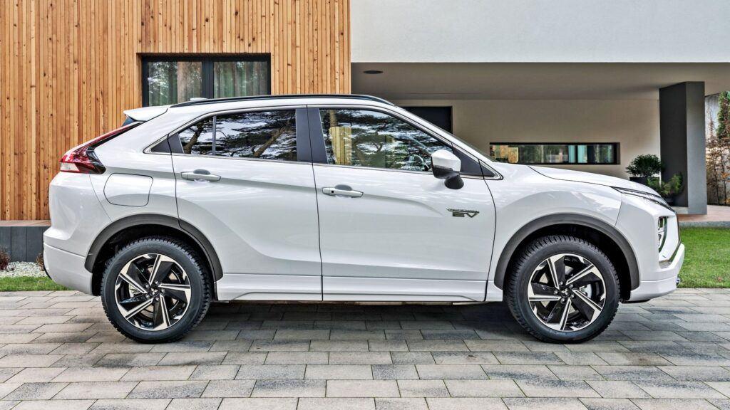 Mitsubishi Eclipse Cross PHEV (2021)